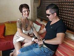 Parodia caliente de un gran programa de televisión porno en trio mexicano